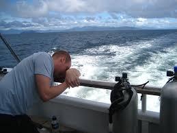 Conozca el truco que utiliza la Armada Nacional para el mareo y que es útil en todo viaje | EL FRENTE