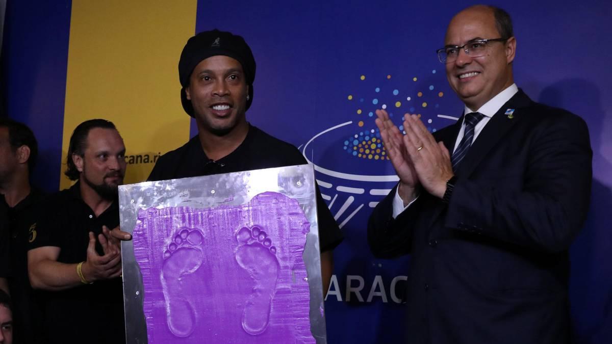 Ronaldinho en el salón de la fama del Maracaná | EL FRENTE