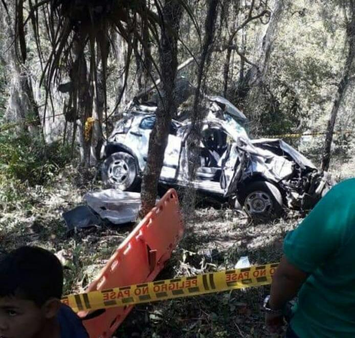 Abismal accidente acabó con la vida de una pareja en California, Santander | EL FRENTE