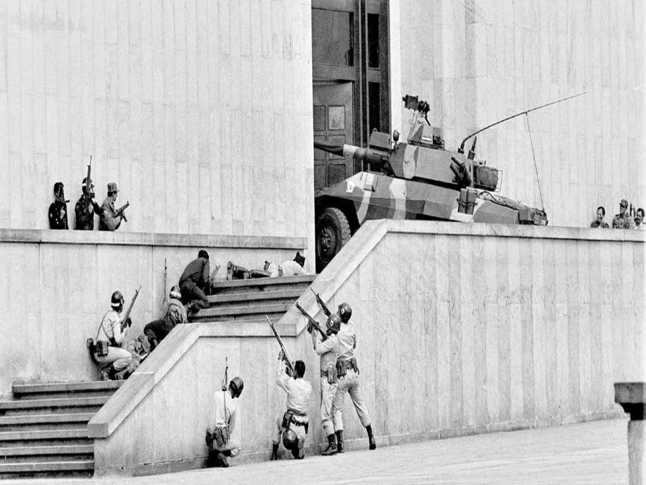 Toma y retoma del Palacio de Justicia en 1985. Justicia colombiana no revisará indultos al M-19  | EL FRENTE