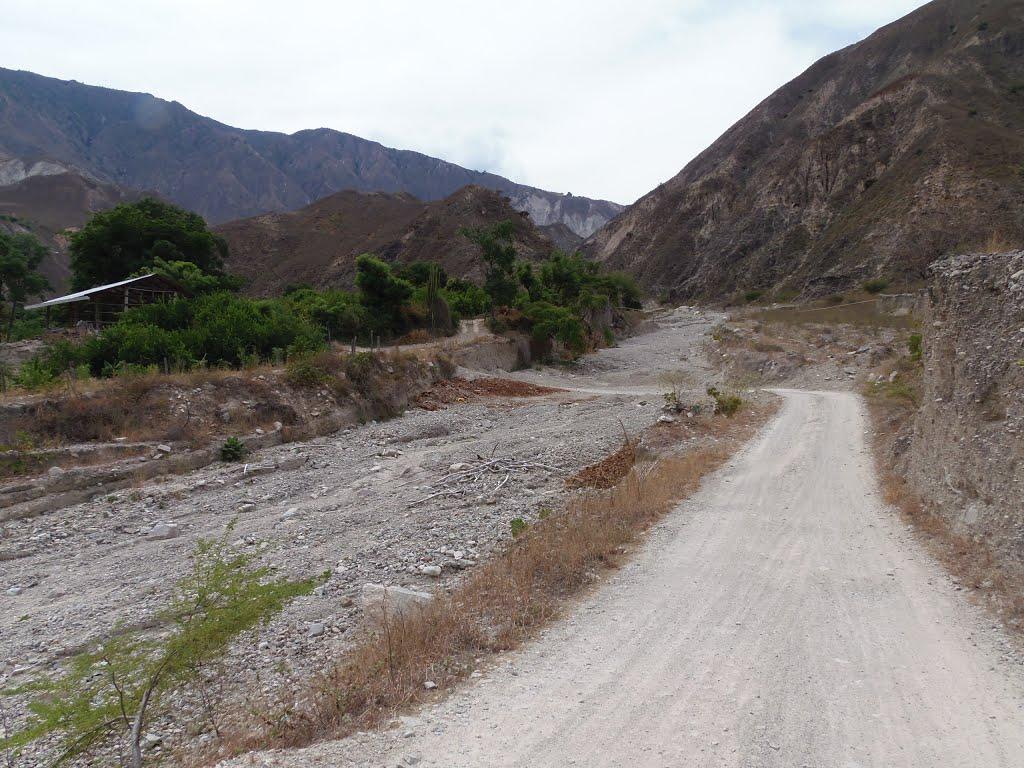 La competitividad en la región crece con obras. Reabierta la vía Cepitá – Molagavita | EL FRENTE