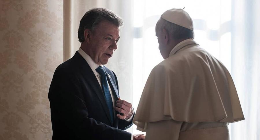 Vaticano desmiente a periodista que acusó a Santos de tener millonaria cuenta en su banco | EL FRENTE