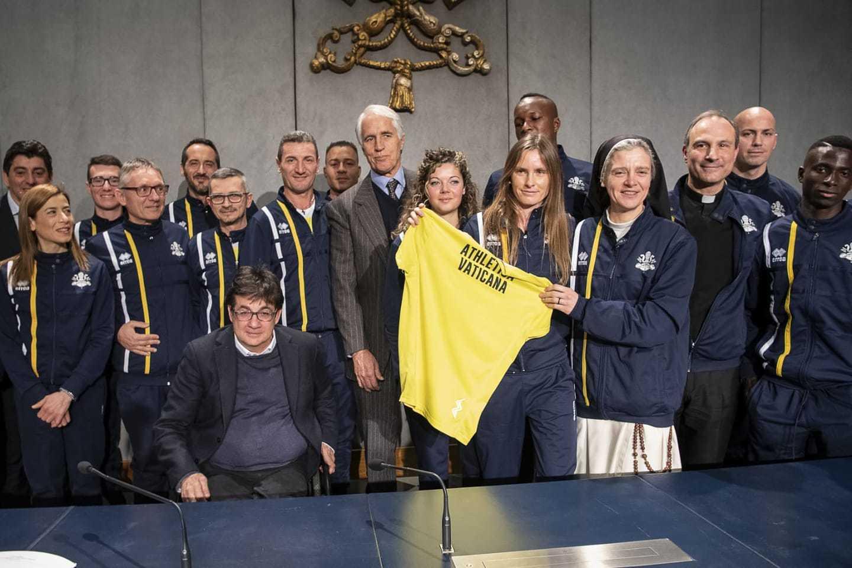 El Vaticano presentó su equipo de atletismo | EL FRENTE