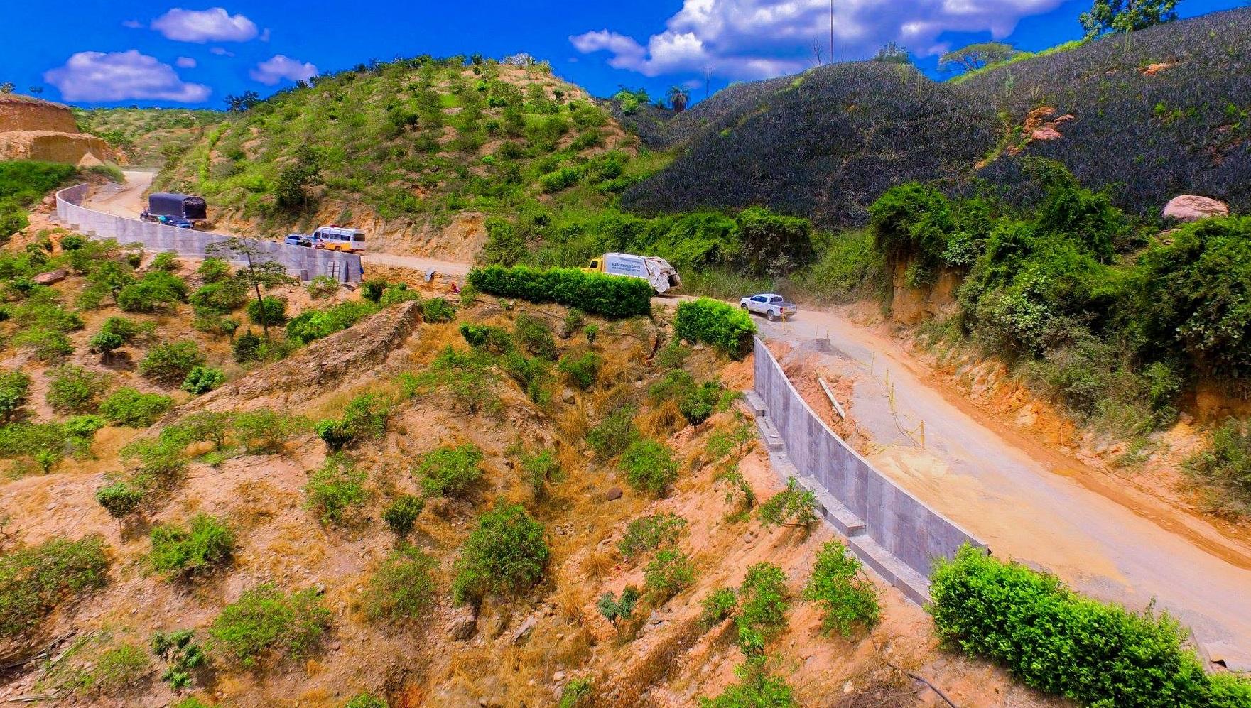 Pavimentación del tramo Nuevo Girón - Chocoita. Se reactivará obra en la vía hacia Zapatoca | EL FRENTE