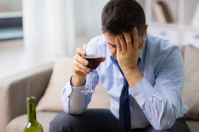 Revelaciones de la ciencia médica. El perfeccionismo puede llevar al alcoholismo | Variedades | EL FRENTE
