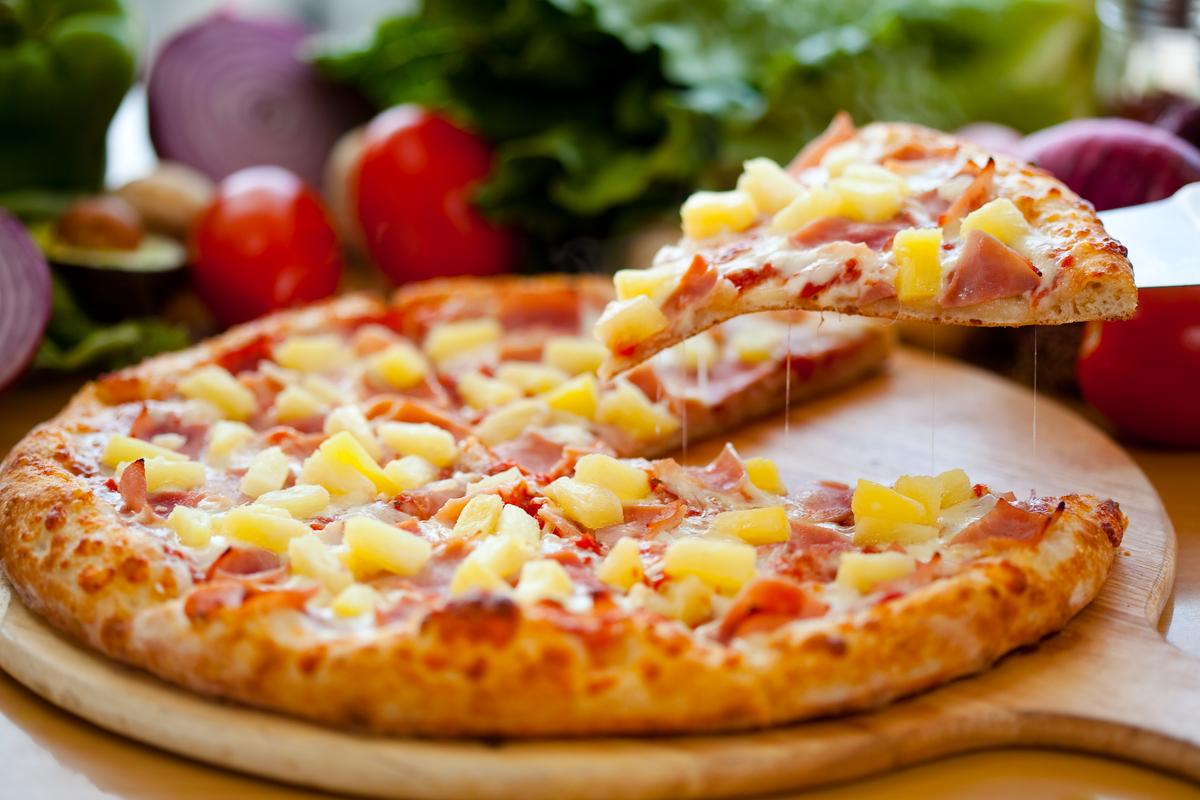 La verdad de la comida más polémica de la historia. El origen real de la pizza hawaiana | Variedades | EL FRENTE