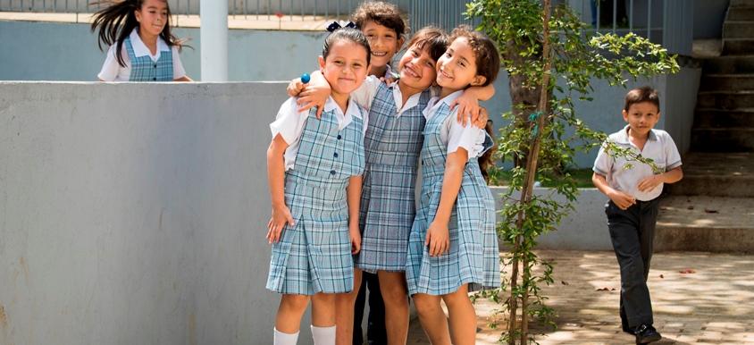 74 mil estudiantes oficiales  regresan a clases este lunes | Metro | EL FRENTE