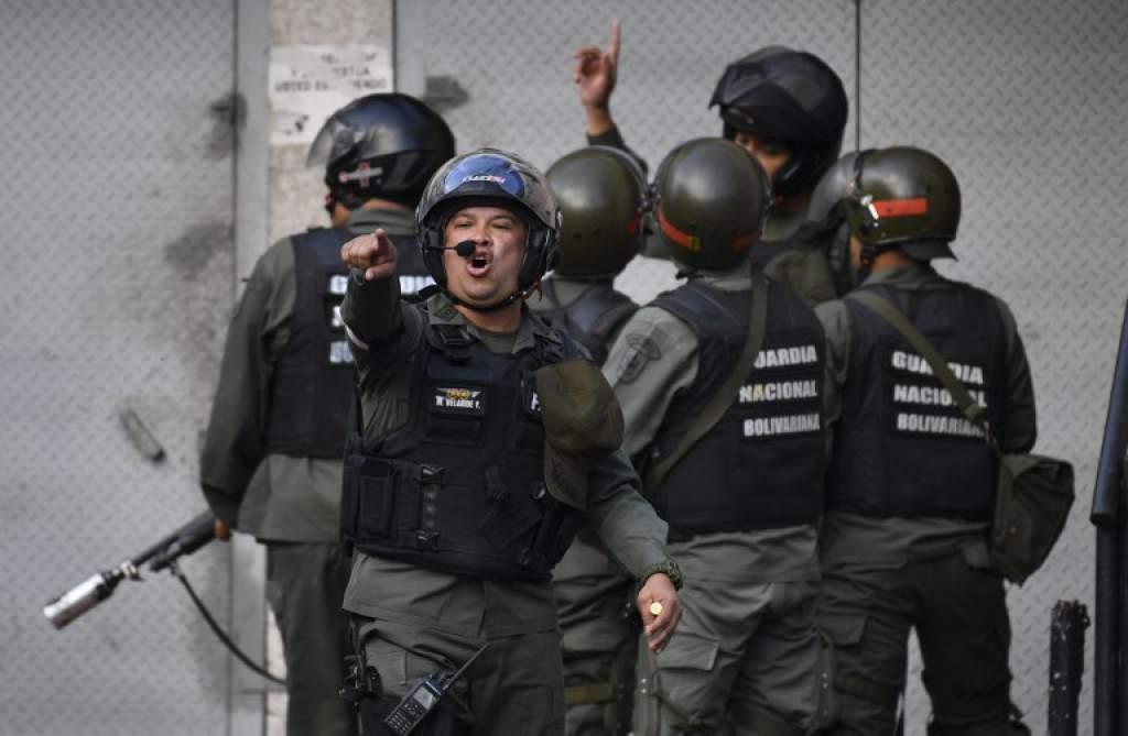 Militares se rebelan contra Maduro e incitan a ciudadanos a tomarse el poder | Noticias | Mundo | EL FRENTE