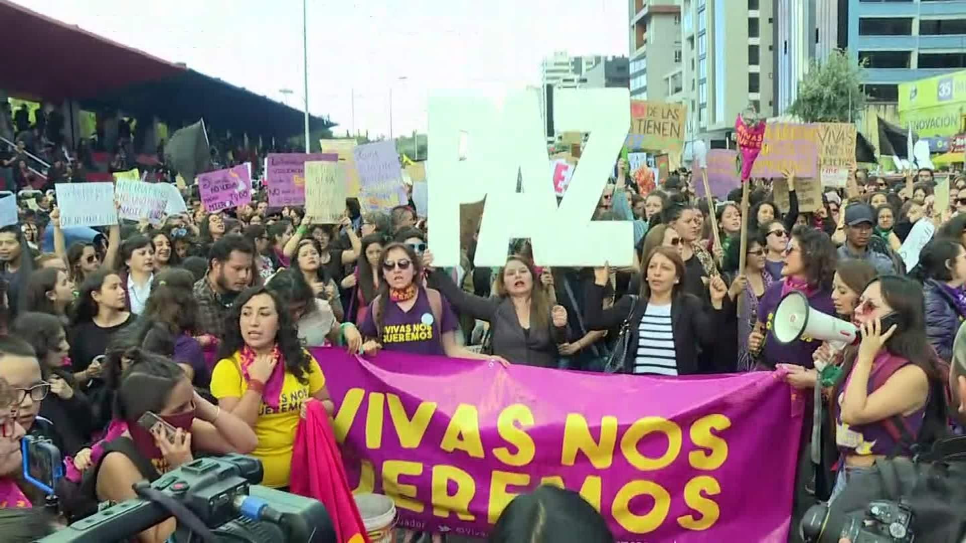 Siguen las protestas por asesinato de mujer embarazada  | Noticias | Mundo | EL FRENTE