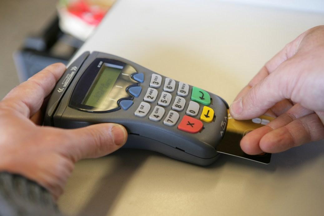 Se podrán comprar Datáfonos en el supermercado | Especiales | Variedades | EL FRENTE