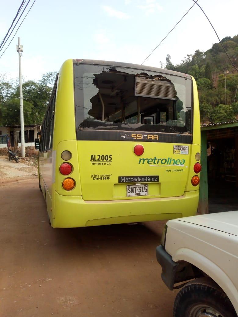 Ataques vandálicos vuelve a perjudicar rutas en los buses de Metrolínea | EL FRENTE