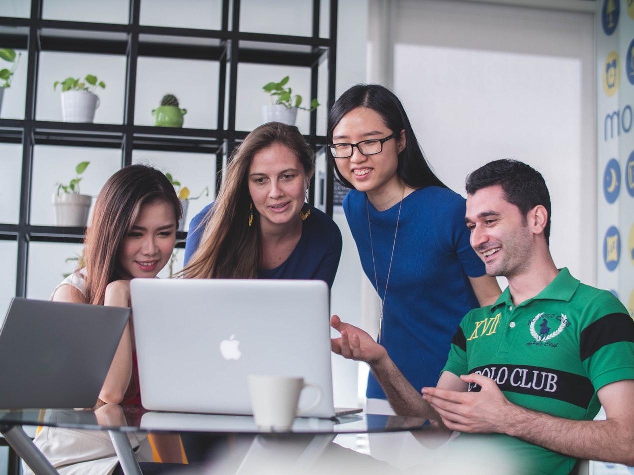 Zoho Recruit, el software de reclutamiento empresarial efectivo    EL FRENTE