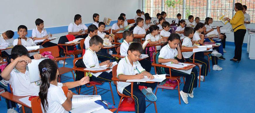 70.515 estudiantes están matriculados en instituciones educativas oficiales de Bucaramanga | EL FRENTE