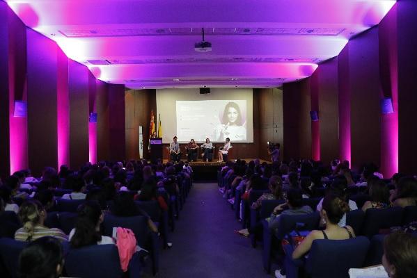 CCB lanzó programa de emprendimiento femenino. Nace Mujeres ECCO en Santander   EL FRENTE
