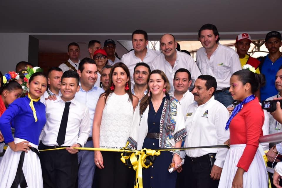 Comunidad barranqueña disfruta del Colegio Agropecuario La Fortuna. Casa nueva para 640 estudiantes  | EL FRENTE