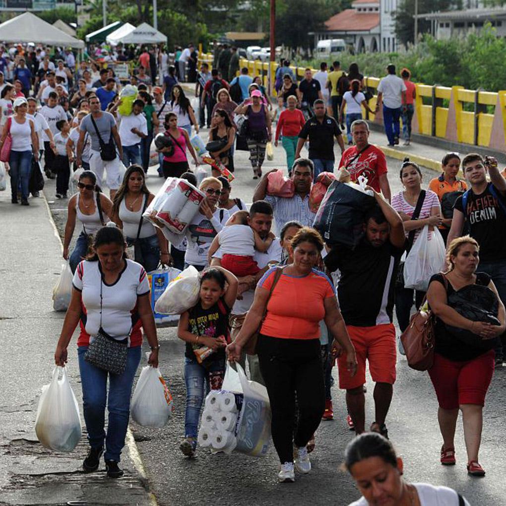 Venezolanos aceptaron retornar a su país. Desde Barbosa fueron llevados a la frontera | EL FRENTE