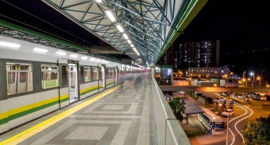 Investigarán a conductora del Metro que chateaba mientras manejaba | EL FRENTE