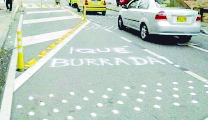 Alcaldía de Bucaramanga abandonólos programas de mejoramiento vial | Especiales | Variedades | EL FRENTE