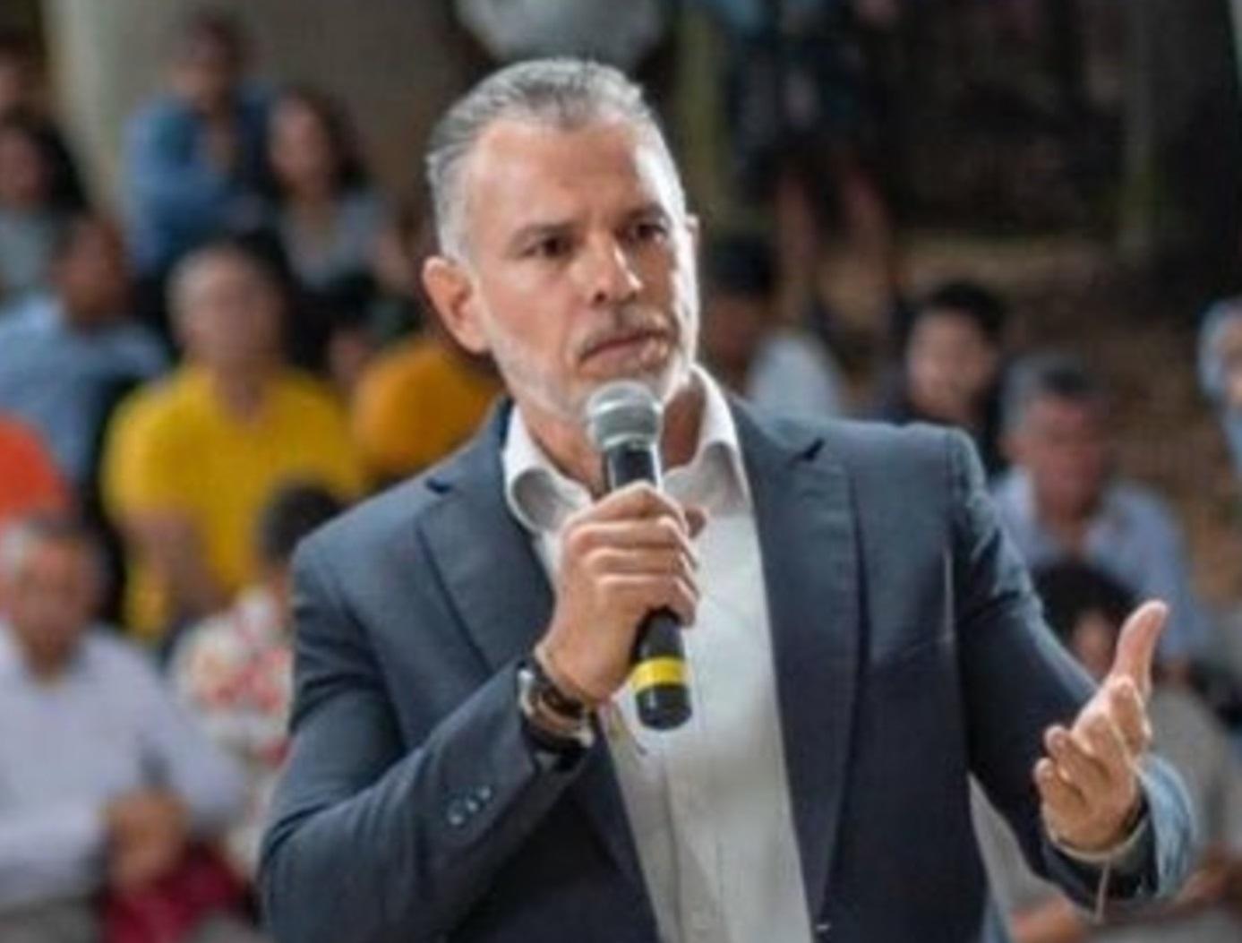 Emiro Arias tiene pruebas contra Leonidas Gómez     EL FRENTE
