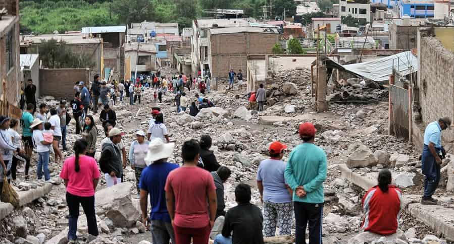Avalancha en Perú dejó 11 muertos y 430 familias damnificadas | EL FRENTE