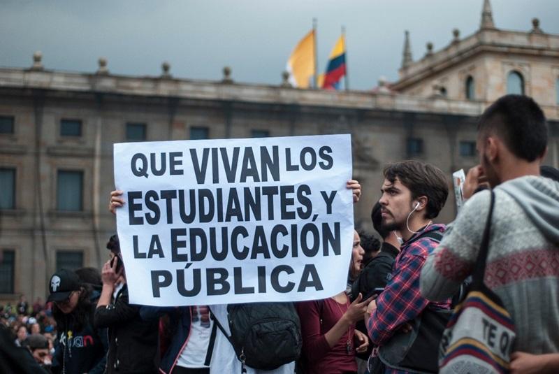 Piden al Duque cumplimiento de los acuerdos educativos  | EL FRENTE