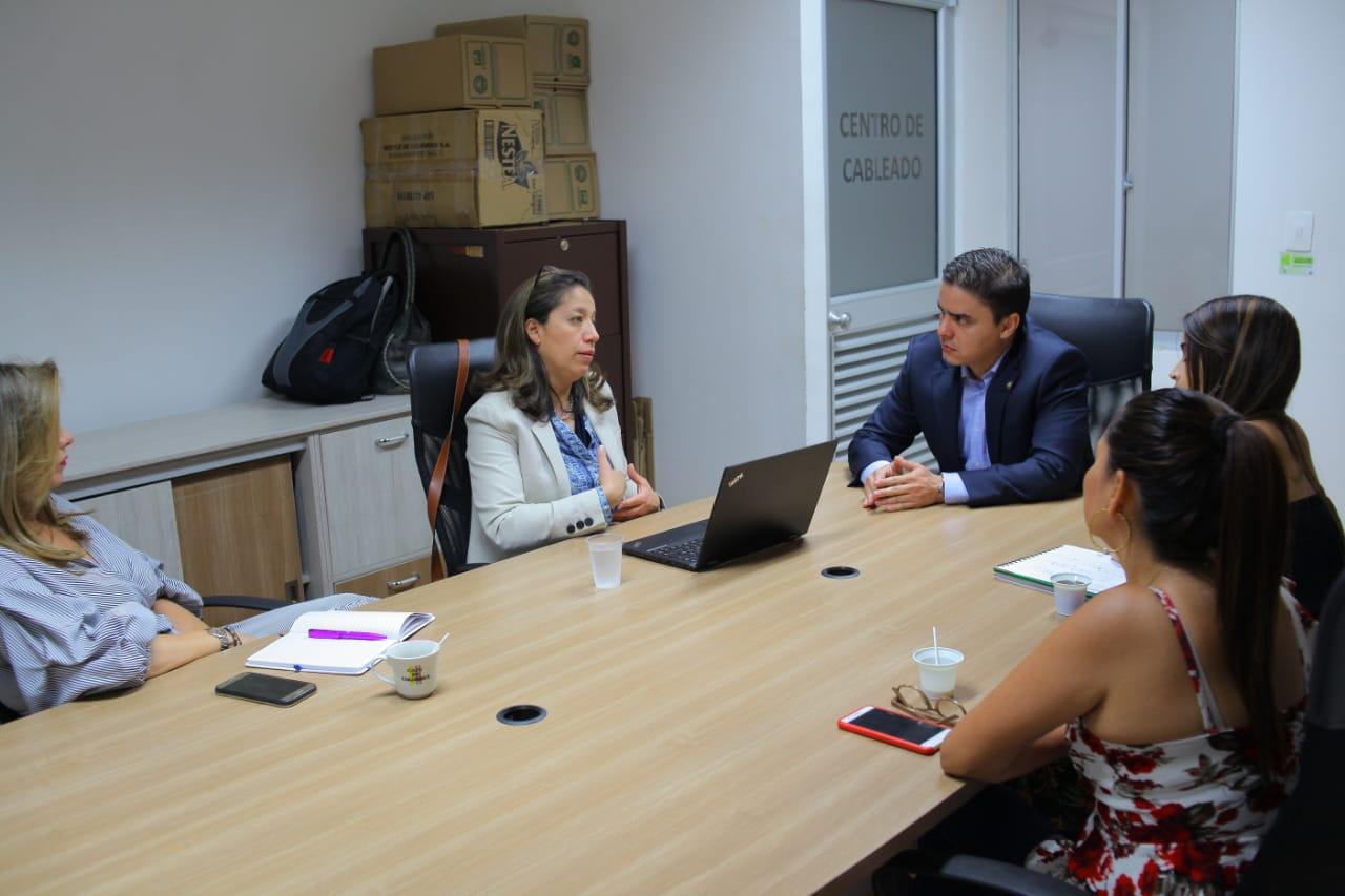 Relaciones internacionales con TIC. Lazos colombo - catalanes para aumento de mercados | EL FRENTE