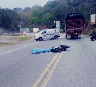 Accidente dejó un muerto en la vía San Gil - El Socorro | EL FRENTE