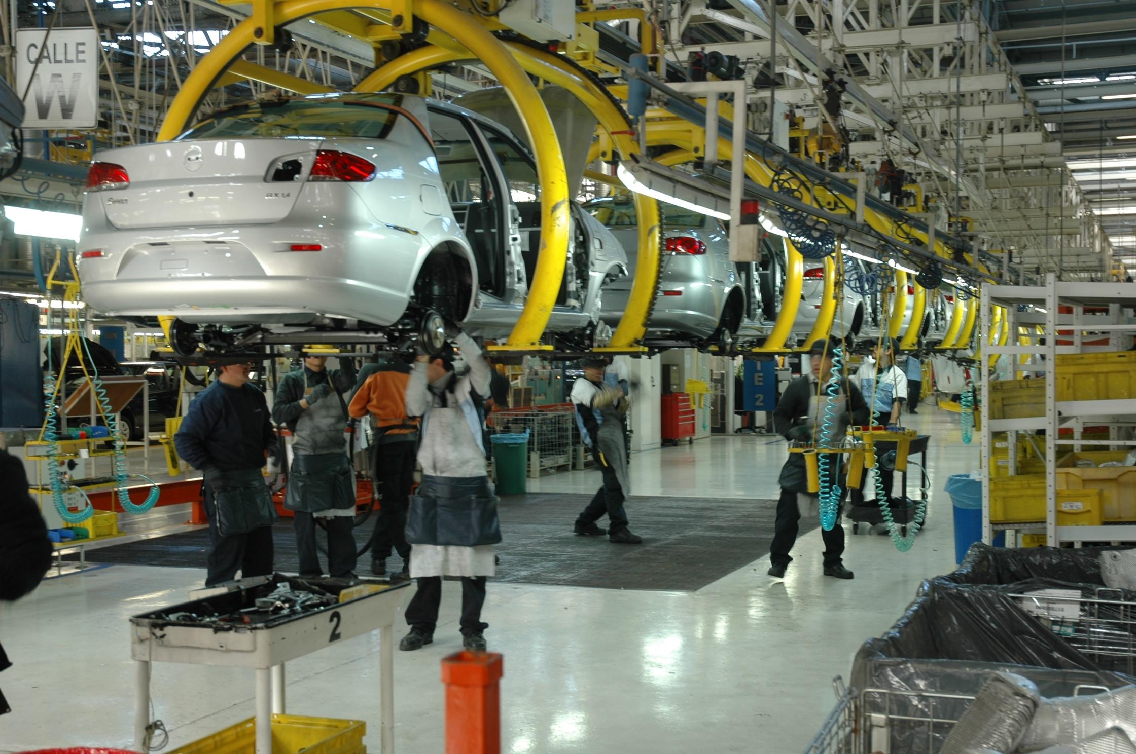 Sector automotriz. Se espera que en 2019 rueden 260 mil nuevos automotores en el país  | EL FRENTE