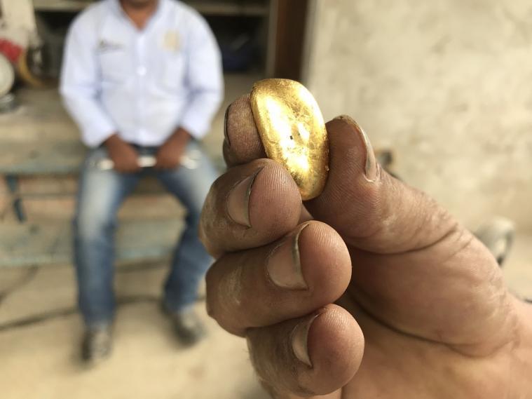 Invasión a una finca en la que se descubrió veta de oro superficial en Remedios, Antioquia | Colombia | EL FRENTE
