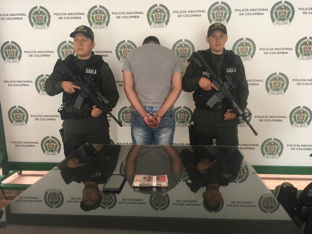 Capturado ladrón de motos que extorsionaba por entregarlas en Bucaramanga | Justicia | EL FRENTE