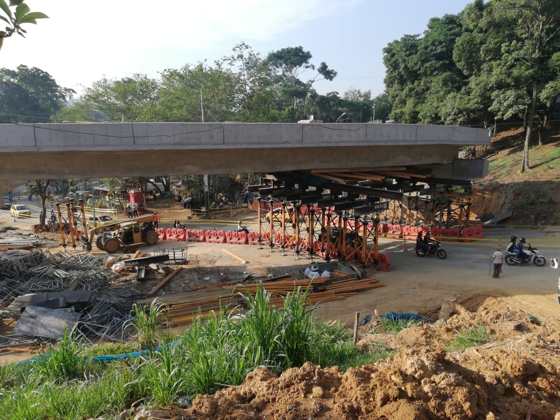 Habilitados dos carriles en el Intercambiador de Fátima para el paso vehicular | Floridablanca | Metro | EL FRENTE