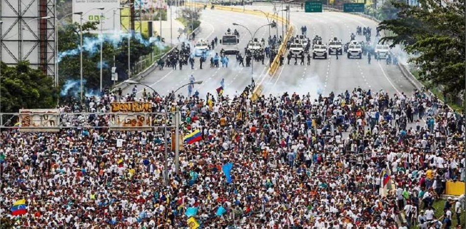 Hambre y violencia en Venezuela | EL FRENTE