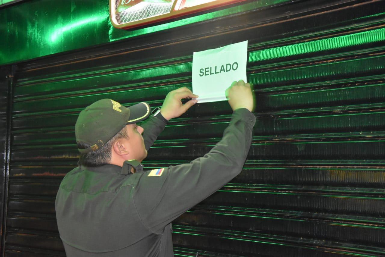 Acciones policiales en La Floresta. Sellados tres establecimientos comerciales en Barrancabermeja  | EL FRENTE