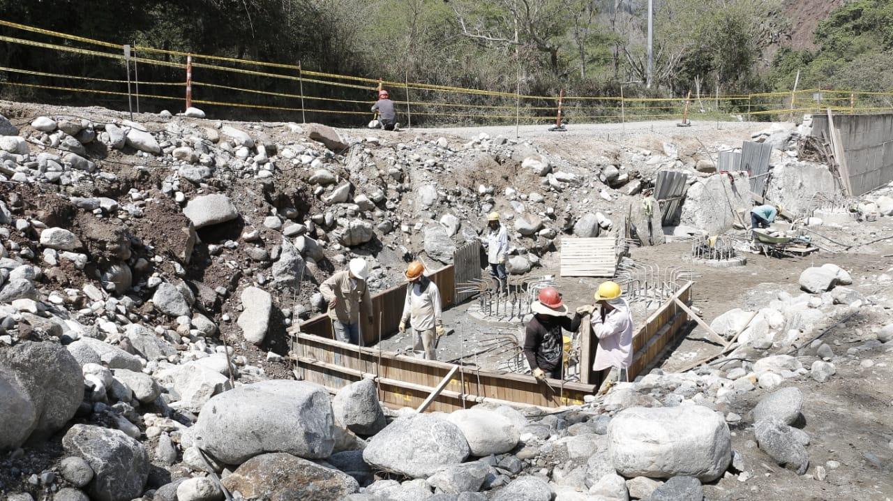 Mejoramiento de la vía Bucaramanga - Matanza. Inspección a obras en La Playa y El Tanque | EL FRENTE