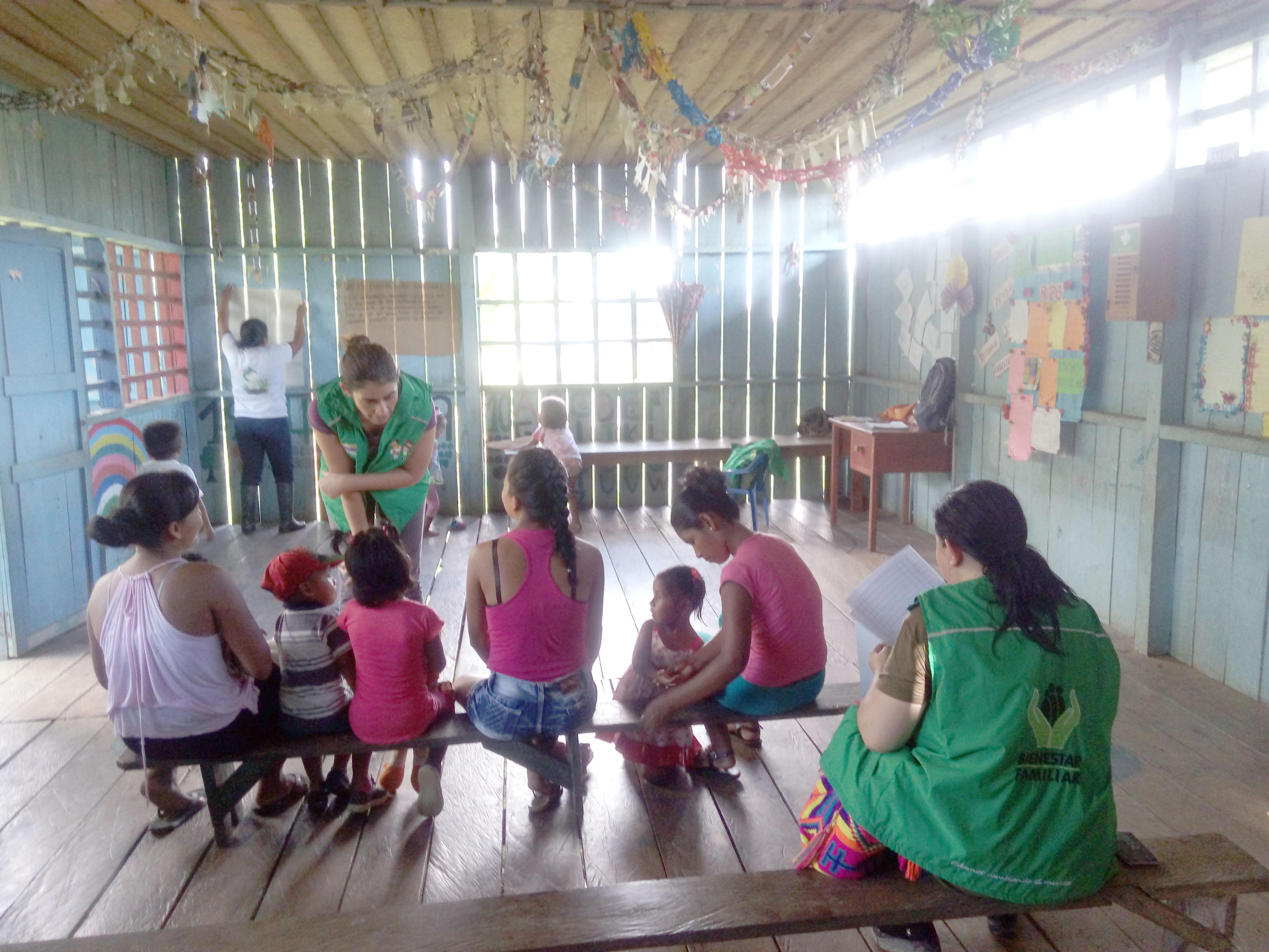 Abandonó a sus hijos en un colegio para irse de viaje | EL FRENTE
