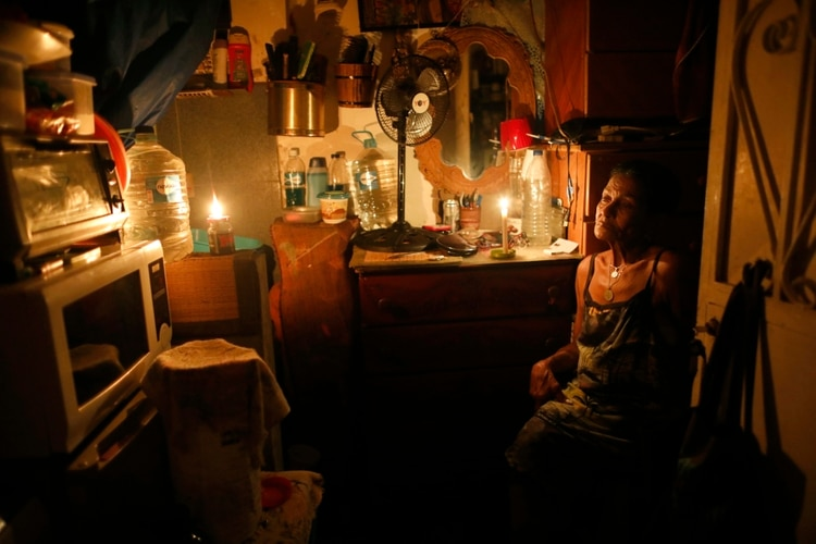 Los más pobres de Venezuela siguen sin luz  | Noticias | Mundo | EL FRENTE