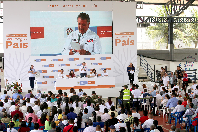 Justicia transicional sin impunidad: Presidente   | EL FRENTE