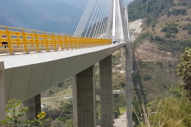 Terminó el maquillaje que le hicieron a las ondulaciones del puente Hisgaura en Santander | EL FRENTE