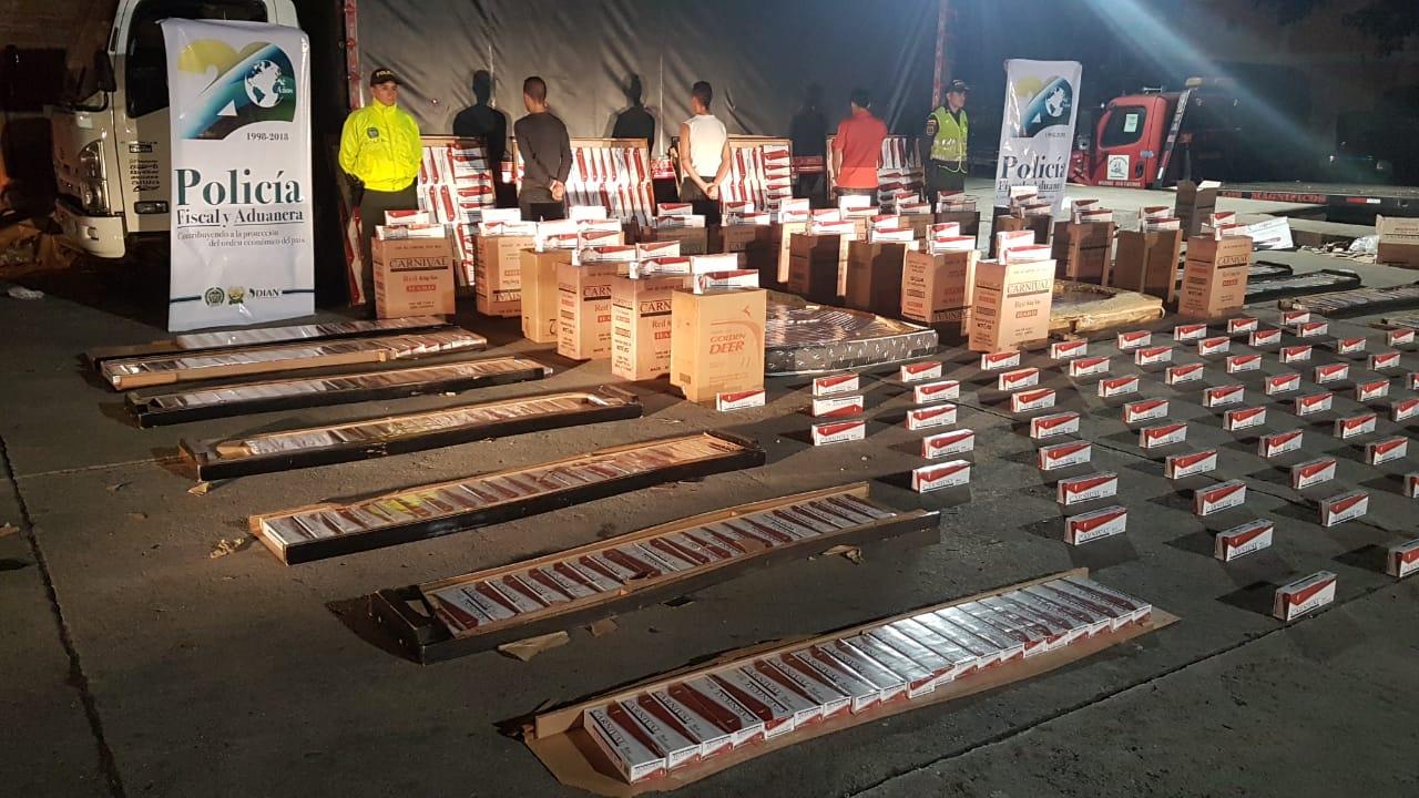 Incautaron 19 mil cajetillas de cigarrillos ocultos en camas y colchones | EL FRENTE