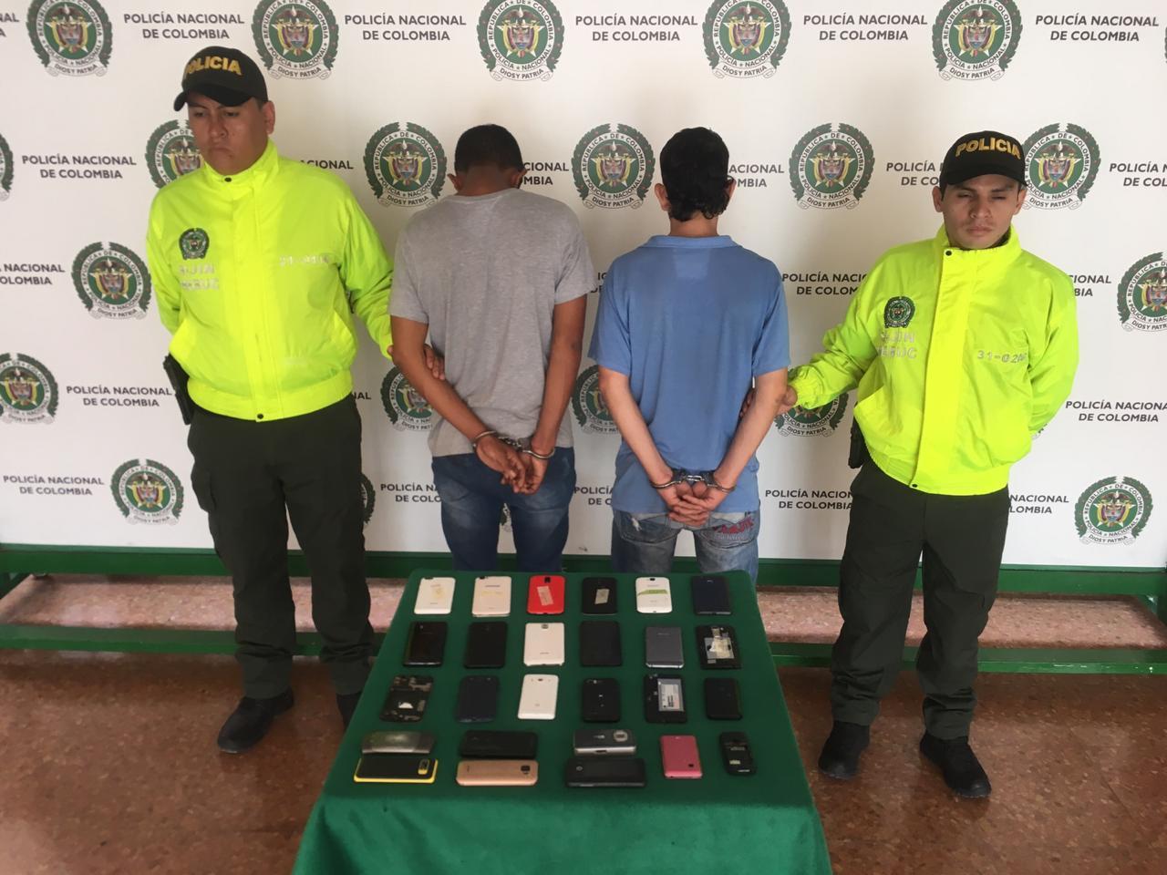 Dos personas capturadas por comercialización de celulares hurtados en Bucaramanga | EL FRENTE