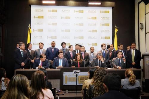 Senador Aguilar encabezó radicación de proyectos de Cambio Radical | EL FRENTE