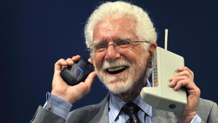 Hace 46 años se hizo la primera llamada por celular que pesaba un kilo | EL FRENTE