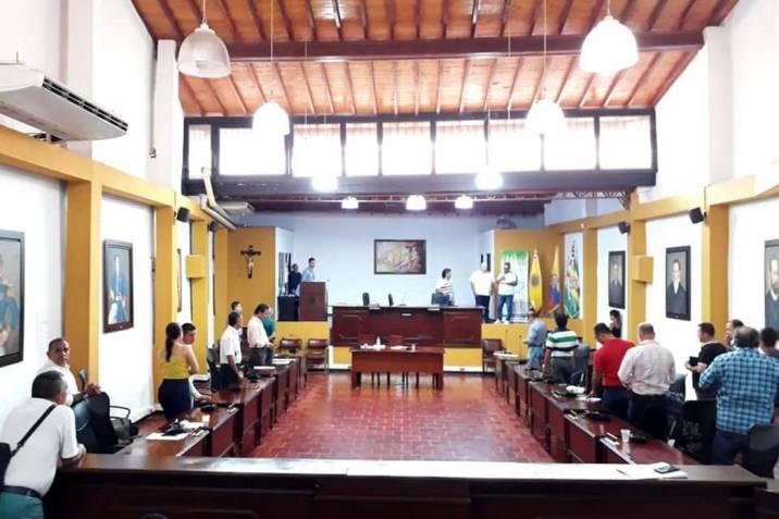 Subsidios y política para jóvenes, aprobados en concejo de Girón  | EL FRENTE