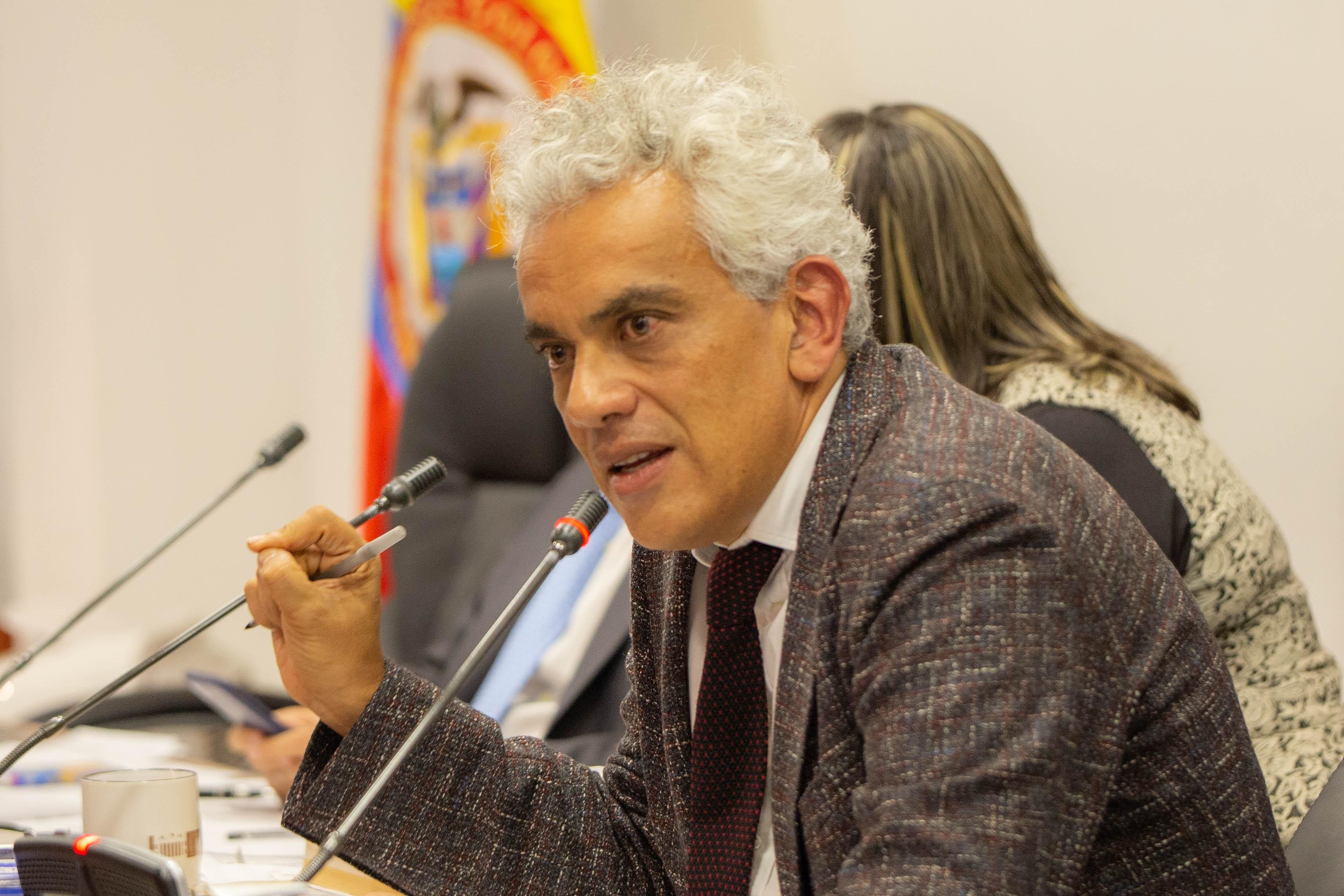 Ministro santandereano se defiende de ataques de la bancada liberal  | EL FRENTE