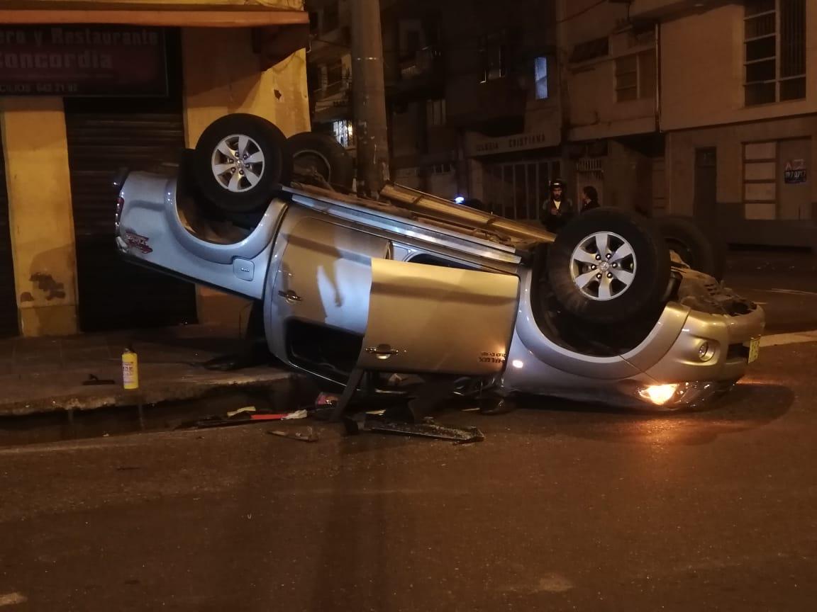 Accidente entre dos vehículos dejó varias personas heridas | EL FRENTE