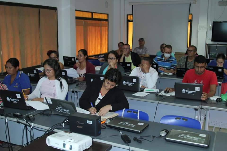 """Curso de herramientas digitales en Barrancabermeja para 150 personas. Vaya a capacitación """"Mi Llave""""   Municipios   Santander   EL FRENTE"""