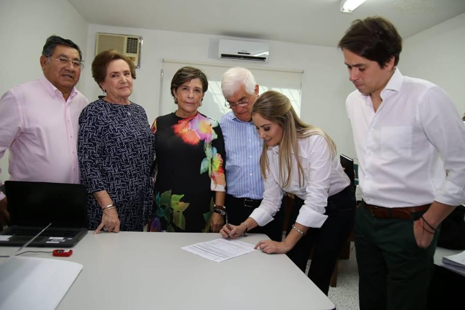 Ciudadanía ejemplar acompaña candidatura de Claudia López  | EL FRENTE
