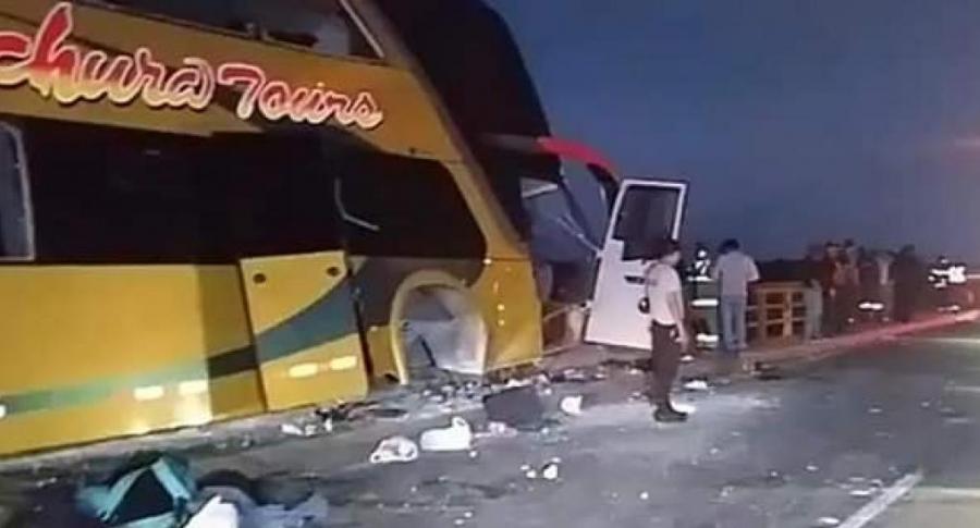 Bus que iba al sepelio de Alan García dejó 8 muertos y 42 heridos | EL FRENTE