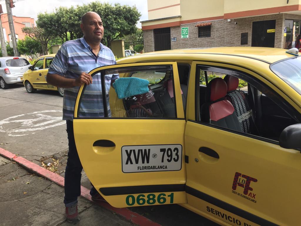 Taxista: oficio peligro. Para Armando cada día es una historia distinta que