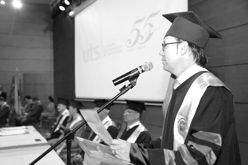 El rol y la excelencia educativa del rector de las UTS  Por: Mg. Jaime Zafra Bueno   EL FRENTE